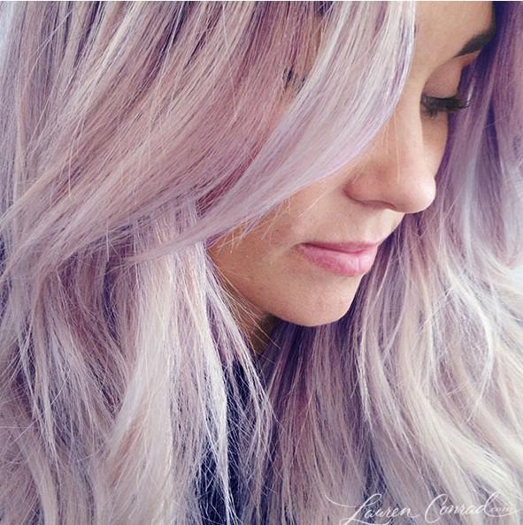 Lauren Conrad avec les cheveux violets !