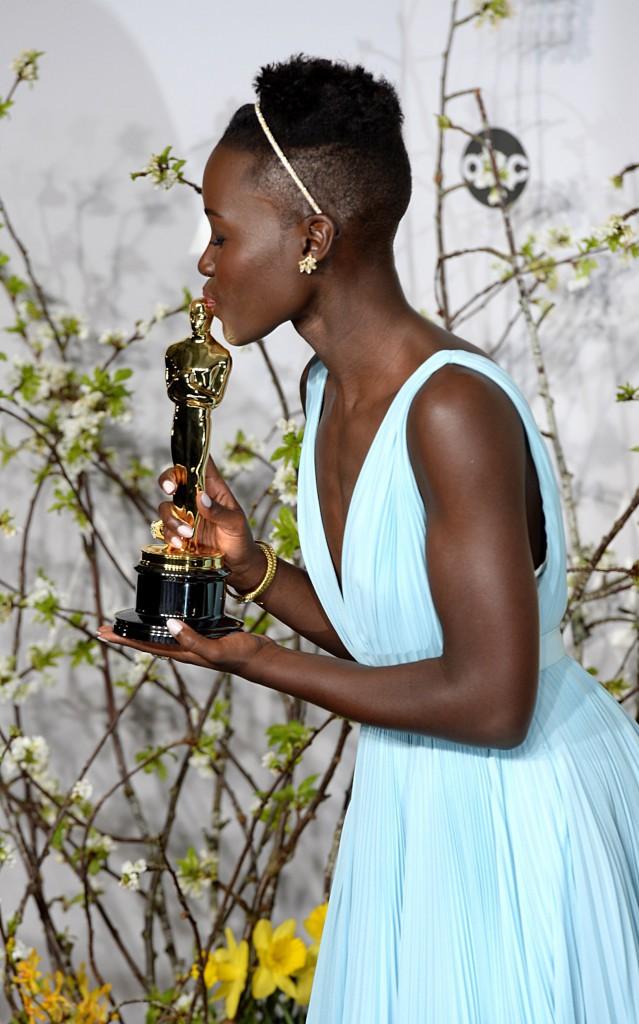 Lupita Nyong'o et sa coupe courte