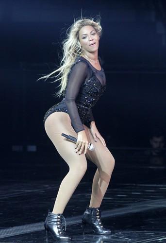 À la 5ème place des plus belles fesses au monde : Beyoncé !