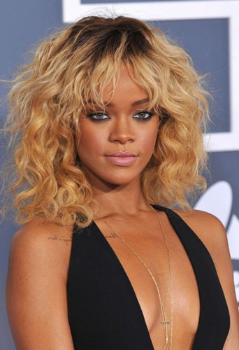 Rihanna en février 2012