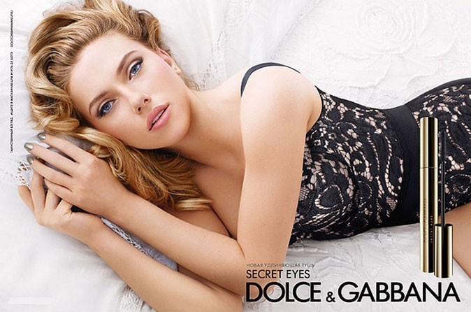 Scarlett Johansson représente le mascara Secret Eyes de Dolce & Gabbana !