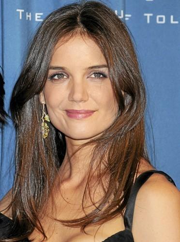 Une peau nette à 32 ans comme Katie Holmes !