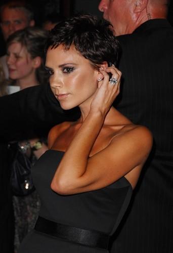 Victoria hyper bronzée en 2008