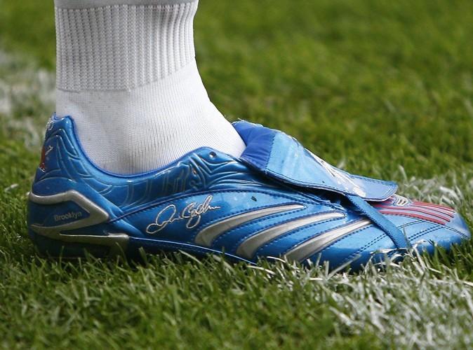 Depuis toujours Beckham imprime le prénom de ses enfants sur ses chaussures.