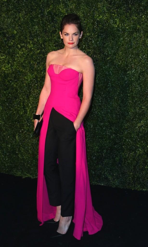 Ruth Wilson, entre la robe et le pantalon il faut choisir !