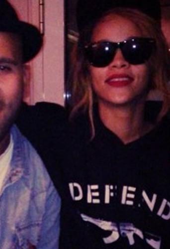 Rihanna en Defend Paris …