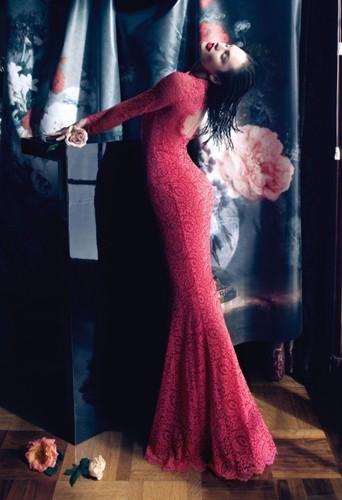 Candice Swanepoel pour la campagne Automne-Hiver 2013-2014 de Blumarine.
