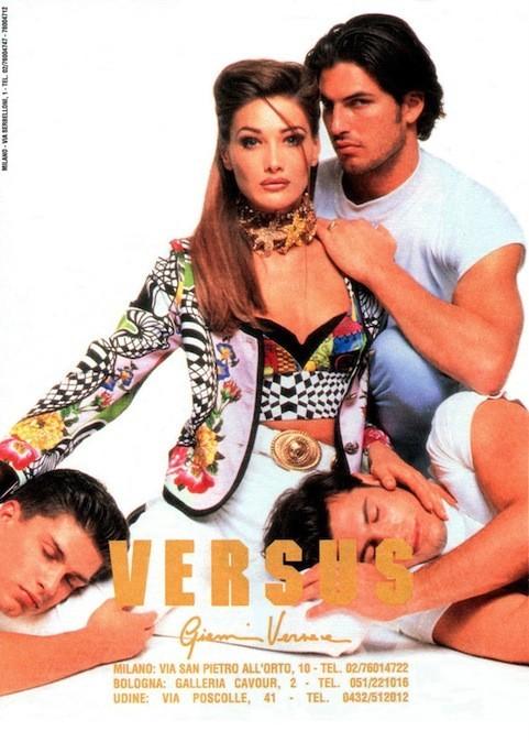 Carla Bruni pour Gianni Versace