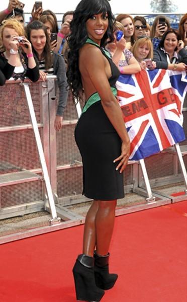 Les chaussures poids lourd de Kelly Rowland