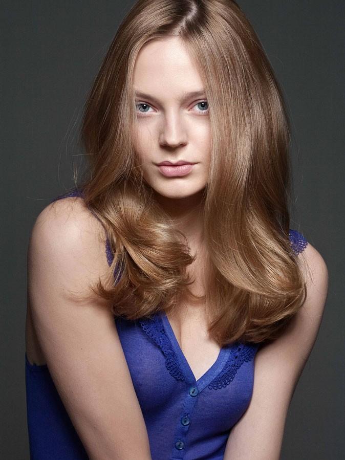 Coiffure printemps-été 2011 : des cheveux longs chez Massato