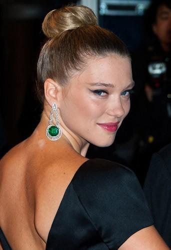 Adoptez la coiffure de fêtes de Léa Seydoux !