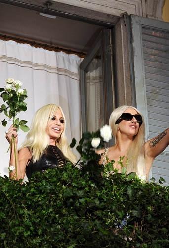 La créatrice et l'artiste sur le balcon d'honneur !
