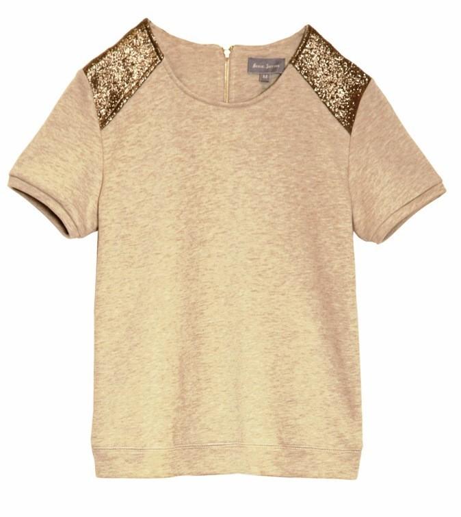 4. Sporty spice : T-shirt à empiècements, Marie-Sixtine. 55 €.