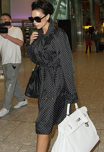 Des sacs de plus en plus gros et Victoria de plus en plus minces. Bravo au sac Hermès !