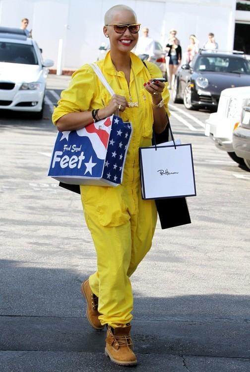 Amber Rose en jaune fluo