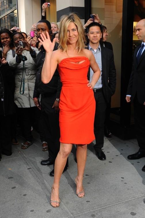 Jennifer Aniston passe à l'orange