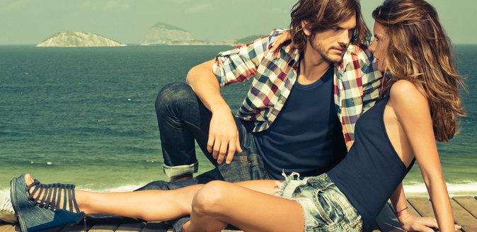 Alessandra Ambrosio et Ashton Kutcher en 2011 pour une campagne de denim Colcci