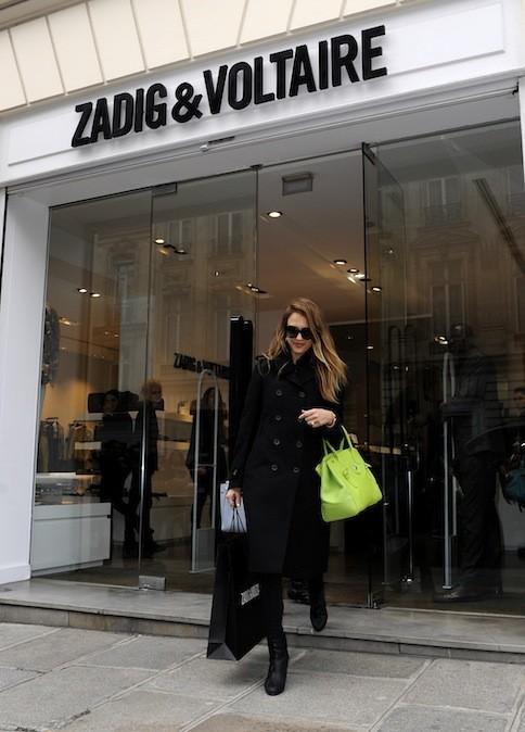 Jessica Alba faisait son shopping chez Zadig & Voltaire le 2 mars denier ! (18-20 rue François 1er 75008 Paris)