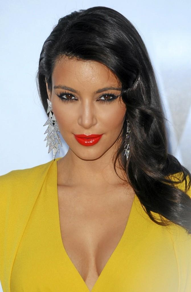 C- Kim Kardashian !