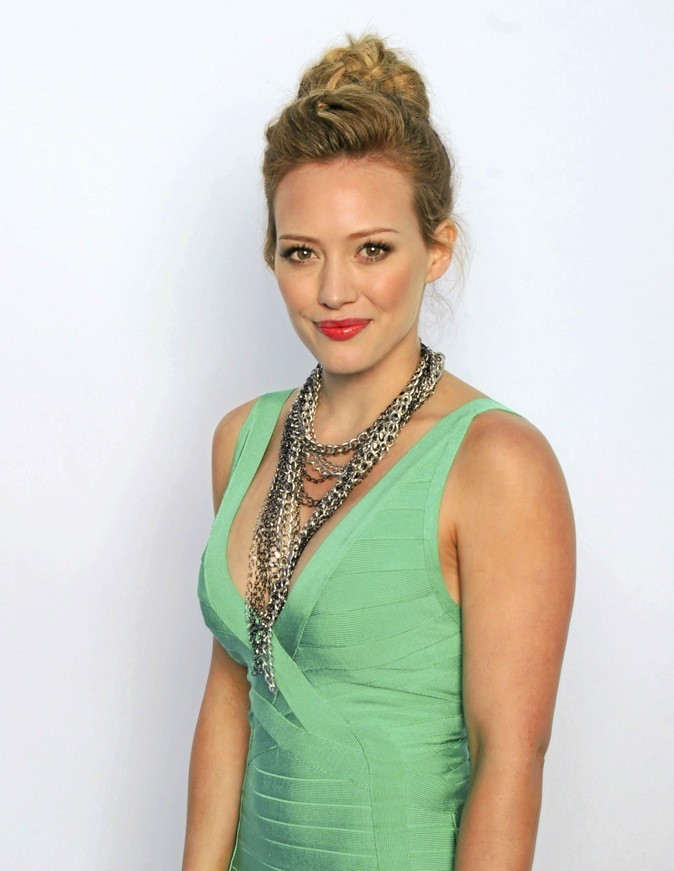 E- Hilary Duff !