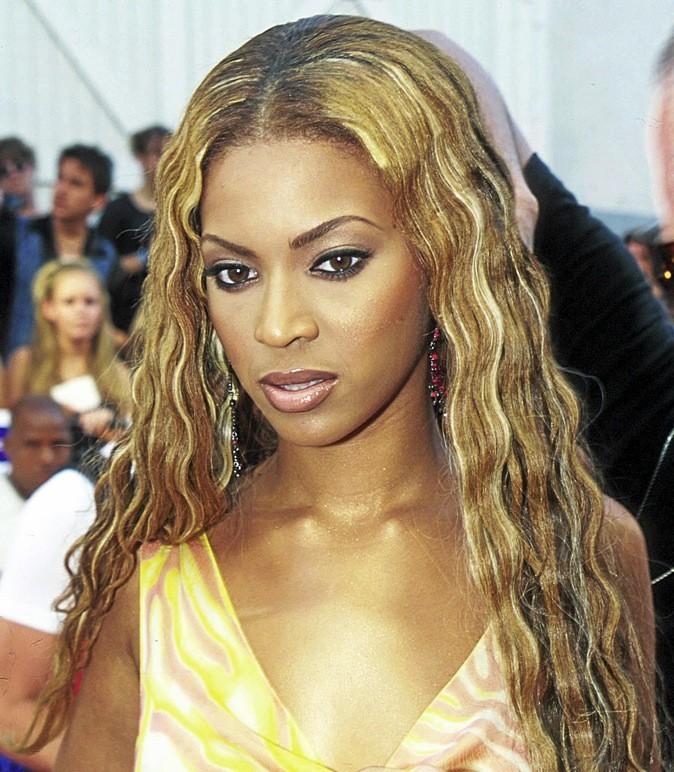 Cheveux longs et ondulés, Beyoncé est magnifique !