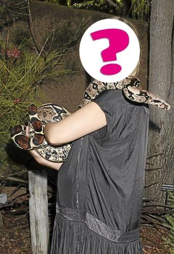 """i. """"À force de combattre les vampires dans la série Buffy contre les vampires, je n'ai plus peur de rien, même pas des serpents !"""""""