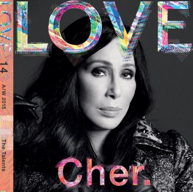 La chanteuse Cher pour Love Magazine
