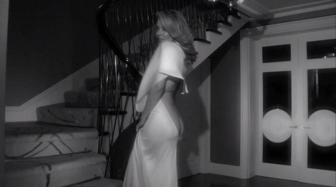 Kylie Minogue et son décolleté très vertigineux