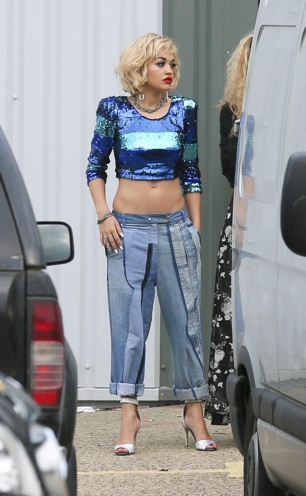 Il y a quelques jours, Rita Ora tournait la campagne Rimmel...
