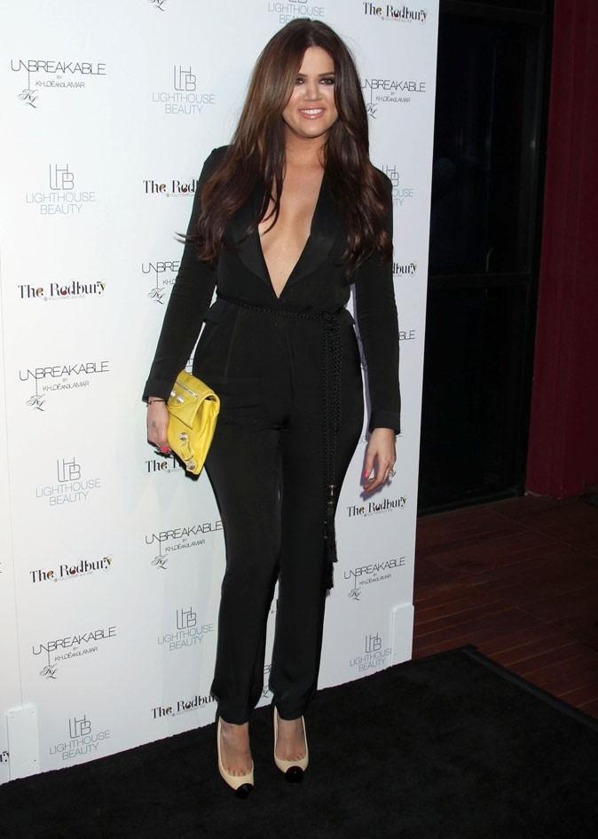La pochette jaune de Khloe Kardashian !