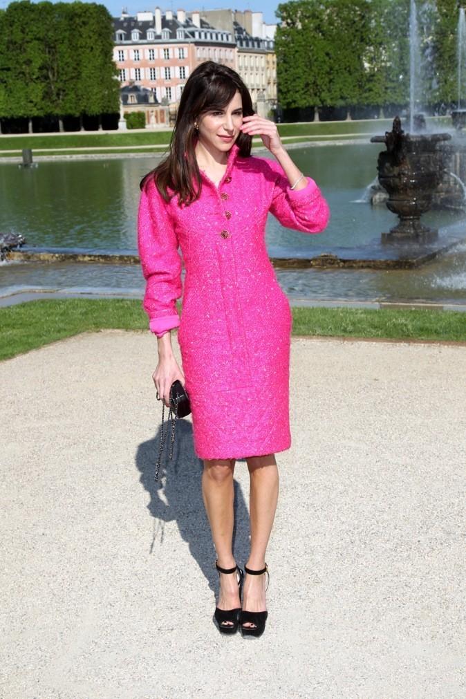 La sublime Caroline Sieber, toute de rose vêtue !