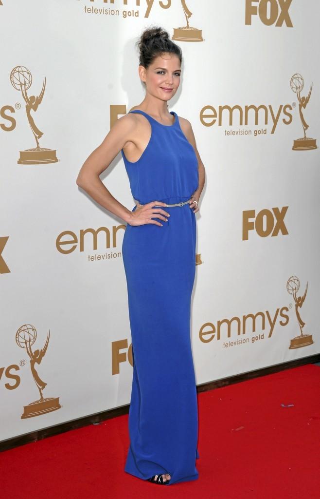 Katie Holmes est belle en longue robe bleue !