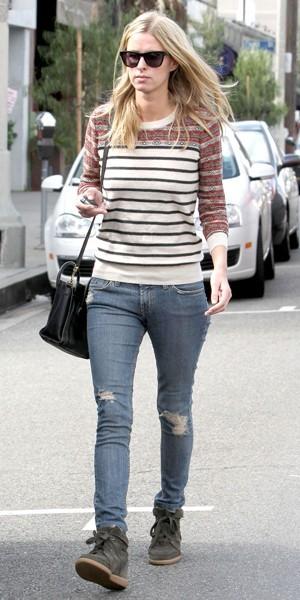 Le style casual de Nicky Hilton en octobre 2012 dans les rue de L.A.
