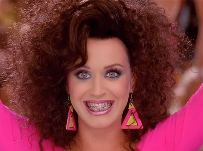 Katy Perry dans son clip Last Friday Night !