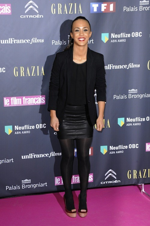 La superbe mini jupe en cuir ! On adore !!!