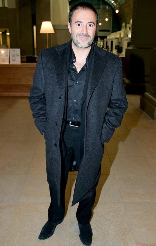 La vérité si je mens 2: Cheveux rasés et long manteau noir, un vrai look de parrain