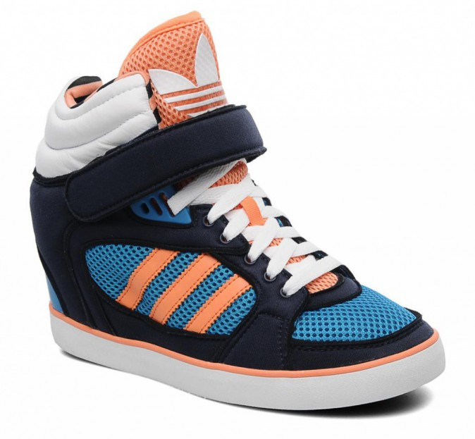 Baskets compensées Amberlight Up Adidas, sur sarenza.com 105 €