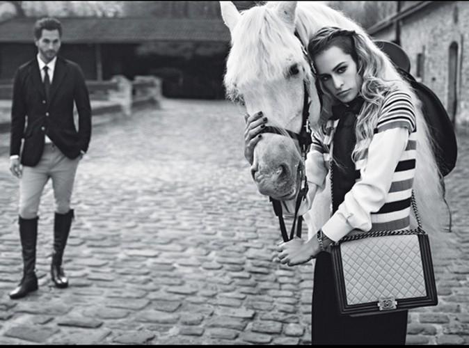 Alice Dellal jamais sans son Boy Chanel !