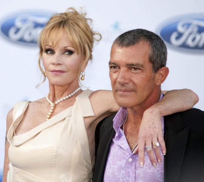 """Antonio Banderas """"C'est ma femme, Melanie Griffith, qui m'achète toutes mes fringues"""""""