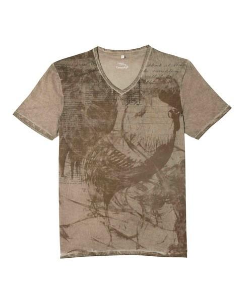 Mode : Camille Lacourt : Le beau gosse troque son maillot de bain pour des tee shirts très rock'n'roll !