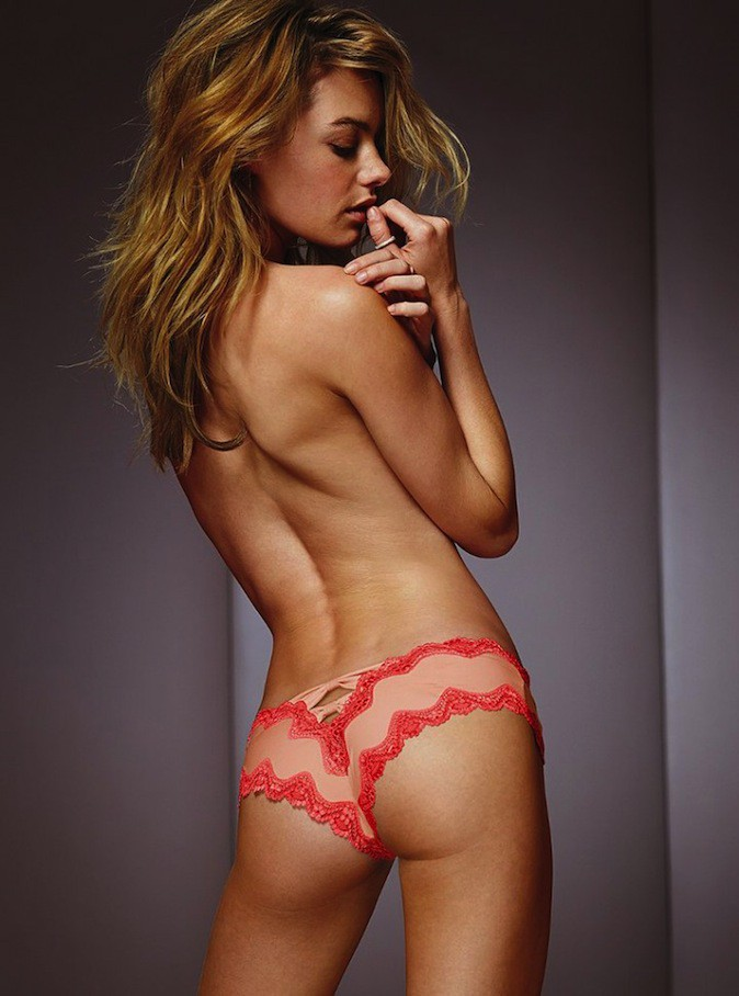 Camille Rowe topless pour Victoria's Secret !