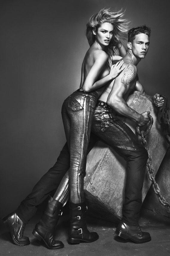 Candice Swanepoel pour la nouvelle campagne Versace Jeans