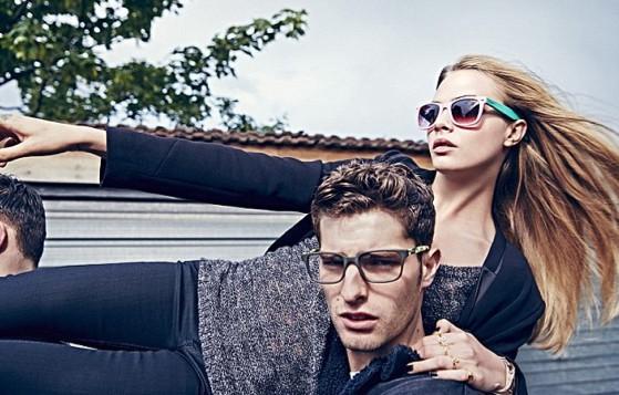 Mode : Cara Delevingne : s'amuse avec deux hommes pour Pepe Jeans !