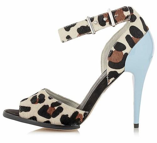 Jungle : Sandales à talons, imprimé léopard, Topshop. 78 euros