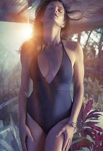 Mode : Cindy Crawford : à bientôt 50 ans, la top s'affiche ultra hot pour Omega !