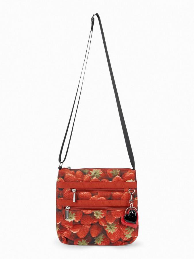 Pochette zippée, imprimé fraises, La Halle 15 €