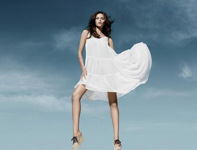 Mode : une robe blanche à volants H&M Conscious