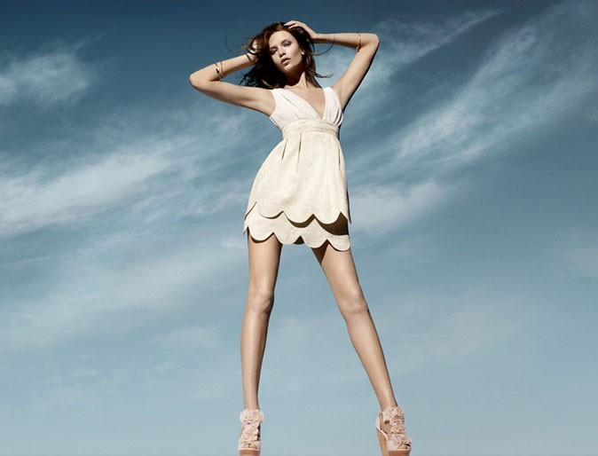 Mode : une robe courte blanche H&M Conscious