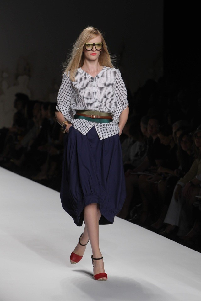 Daria Strokous défile pour Fendi (Printemps-été 2011)