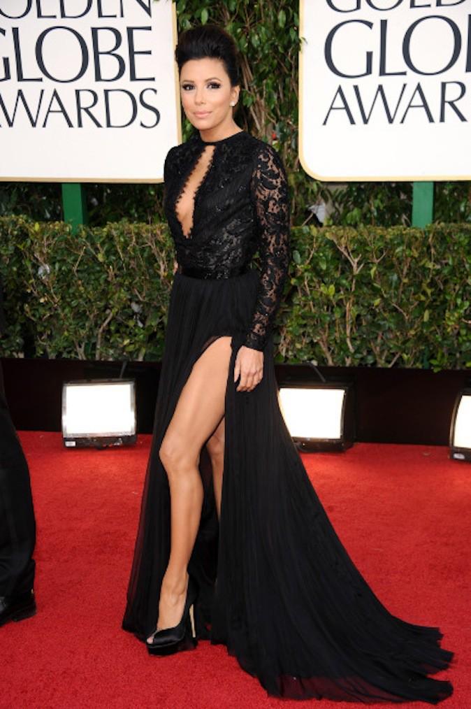 Eva Longoria en petite robe noire sur tapis rouge !